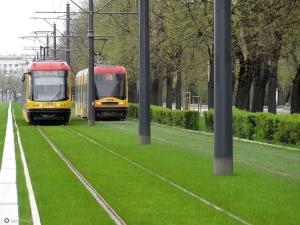 6899822_zielony-tramwaj-warszawa-okolice-stadionu-narodowego-ulica-zieleniecka